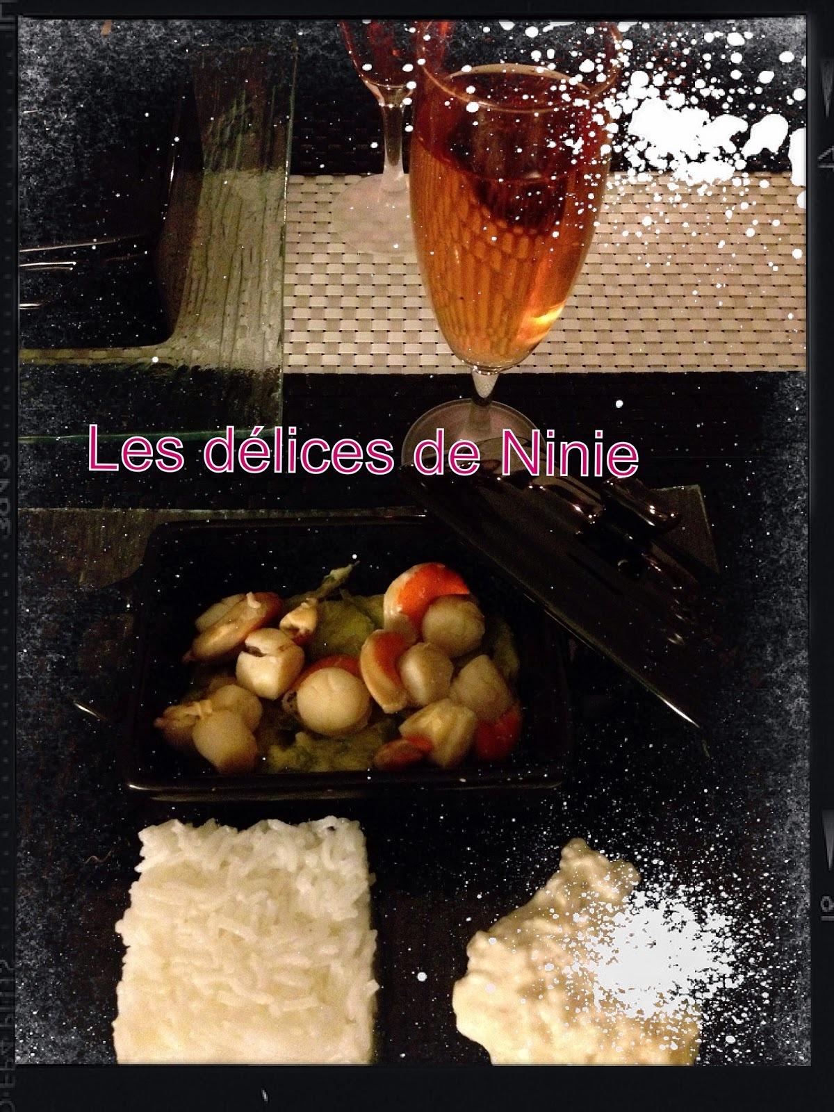 Saint Jacques sur fondue de poiraux et sa sauce au vin blanc