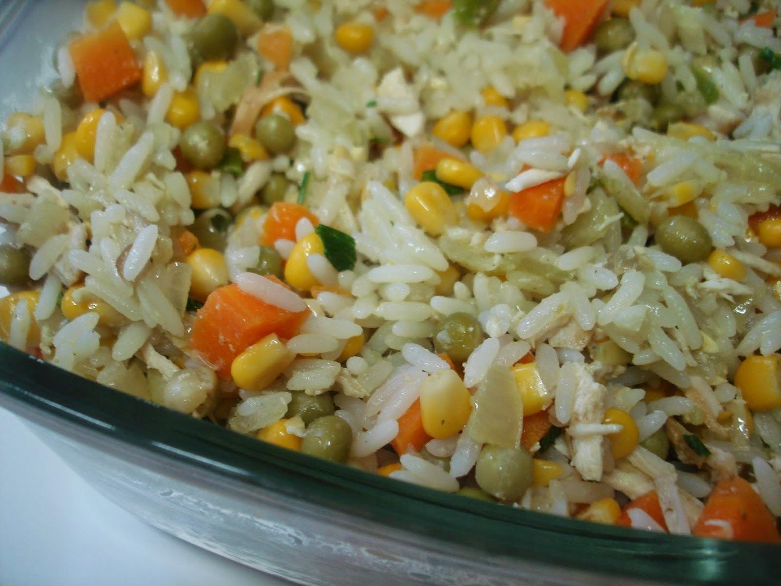 arroz com frango desfiado simples