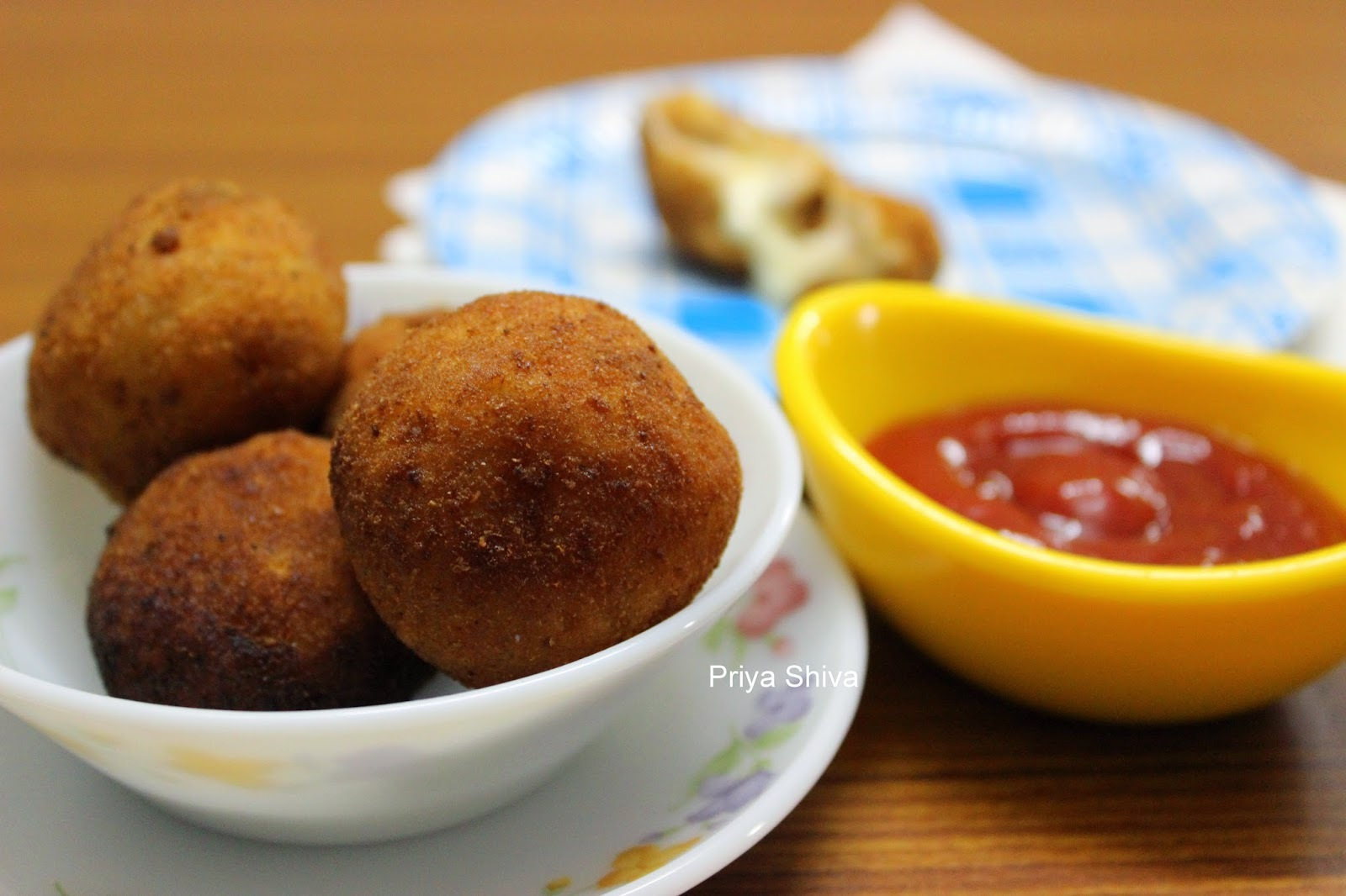 Cheesy Potato Bread balls