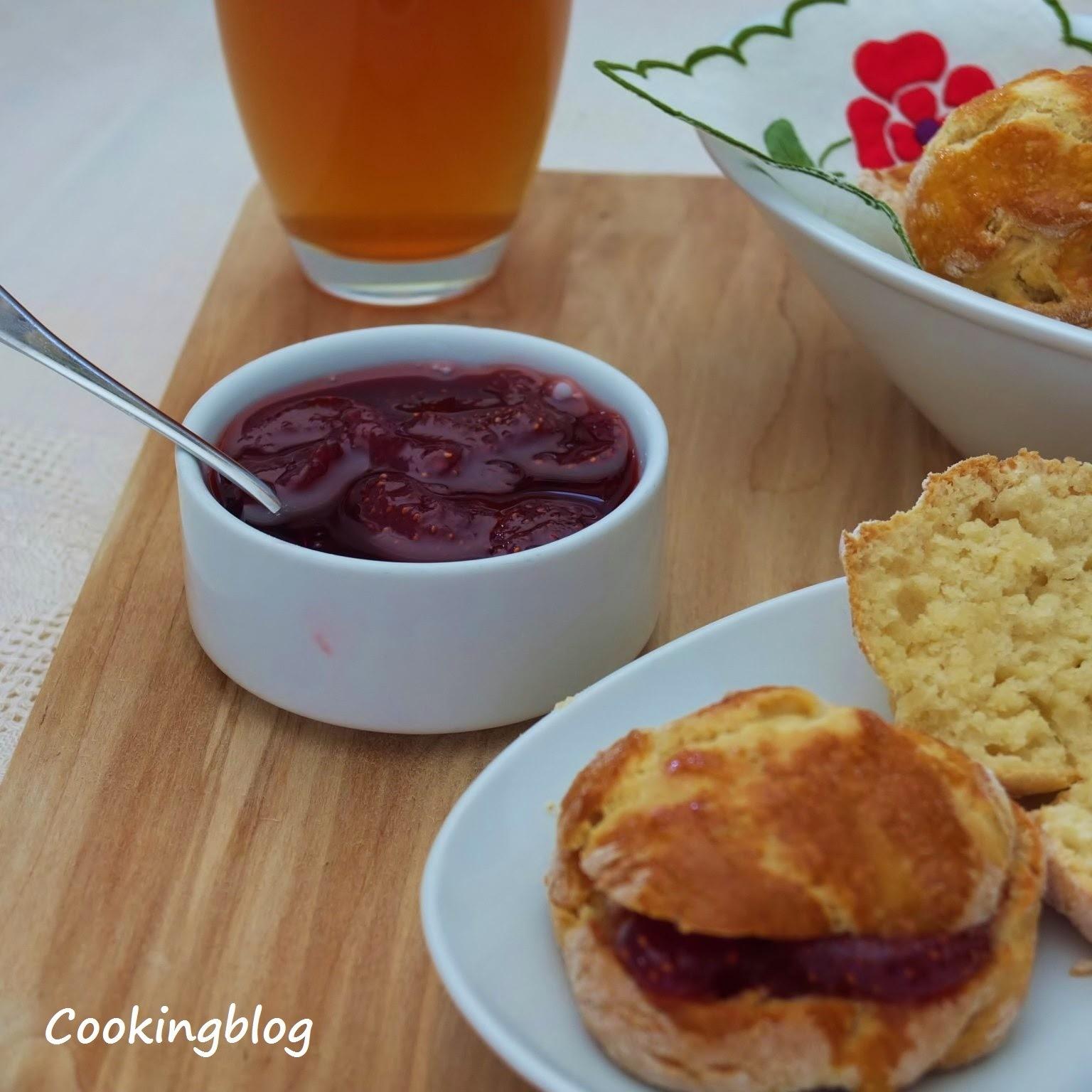 Scones e um doce de morango em 4 tempos| Scones and strawberry jam