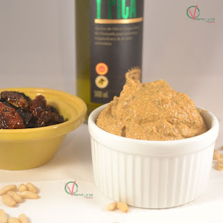 Salsa pesto siciliano o rojo con aceitunas