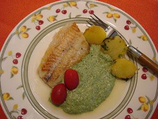 Peixe Côngrio ao Creme de Espinafre e Batatas Salteadas