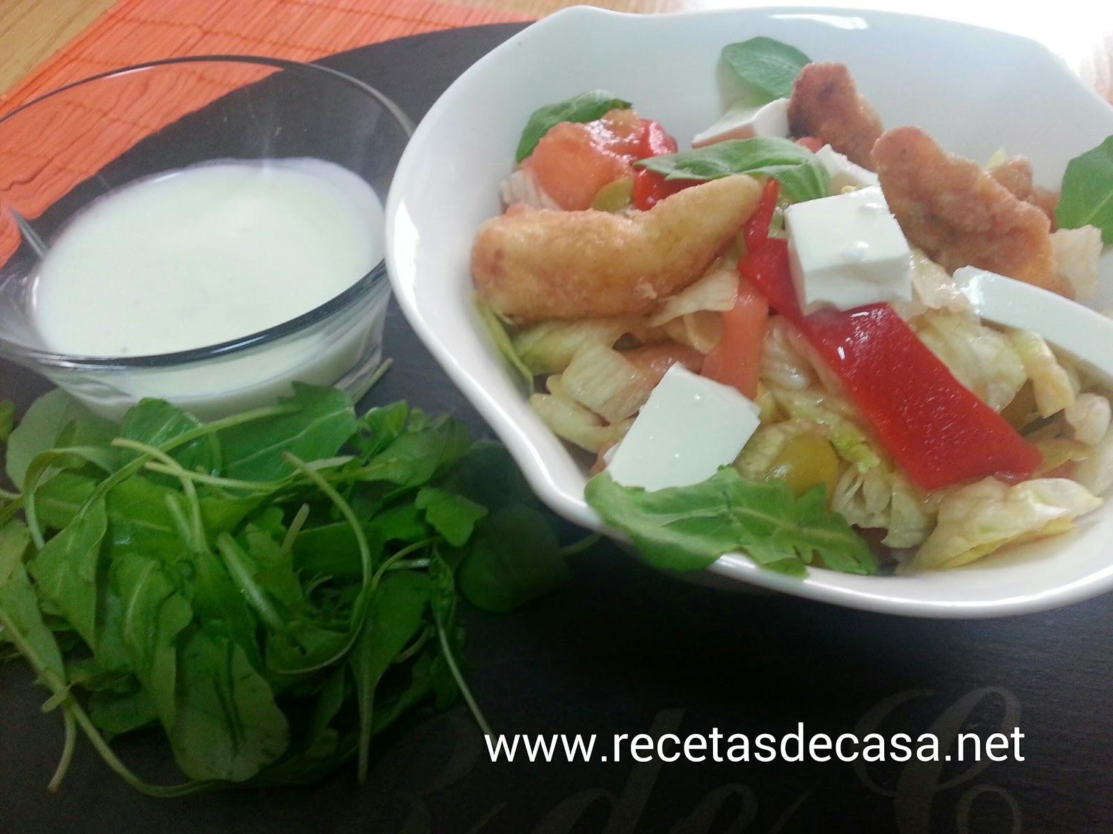 Ensalada de pollo con salsa de yogurt