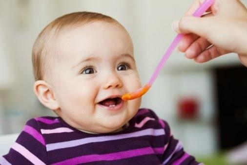 NUTRIÇÃO INFANTIL: SAIBA O QUE ESPECIALISTAS DIZEM SOBRE A PAPINHA DO BEBÊ.