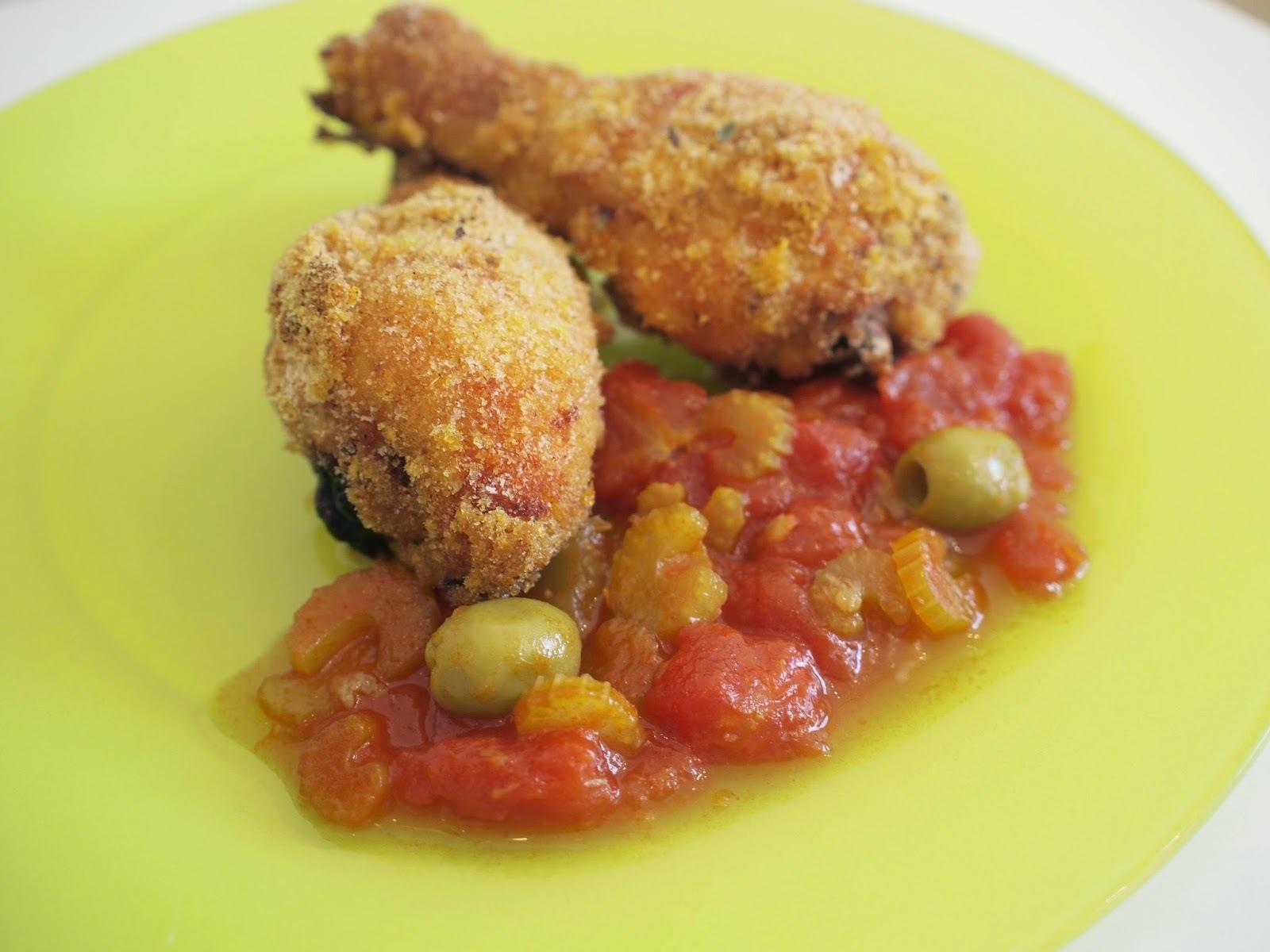 coxa assada com maionese e molho de tomate