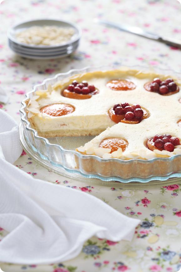 Творожно-сырный пирог с абрикосами / Torta de queijo com alperces