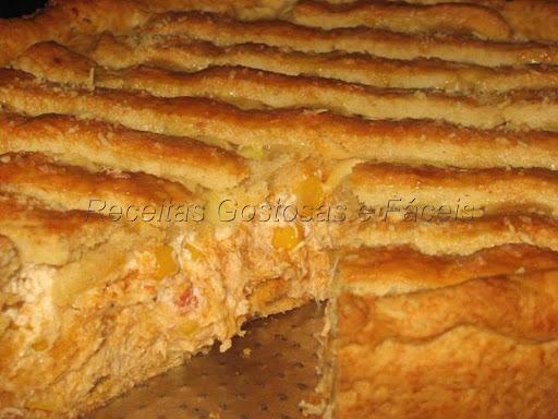 Torta de frango com cream cheese e milho