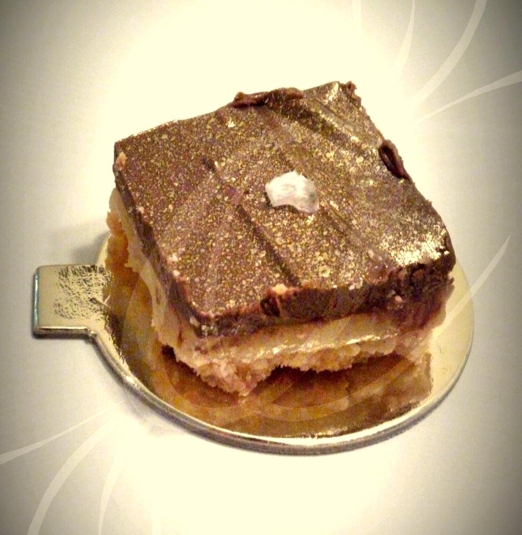 Mini torta twix com flor de sal