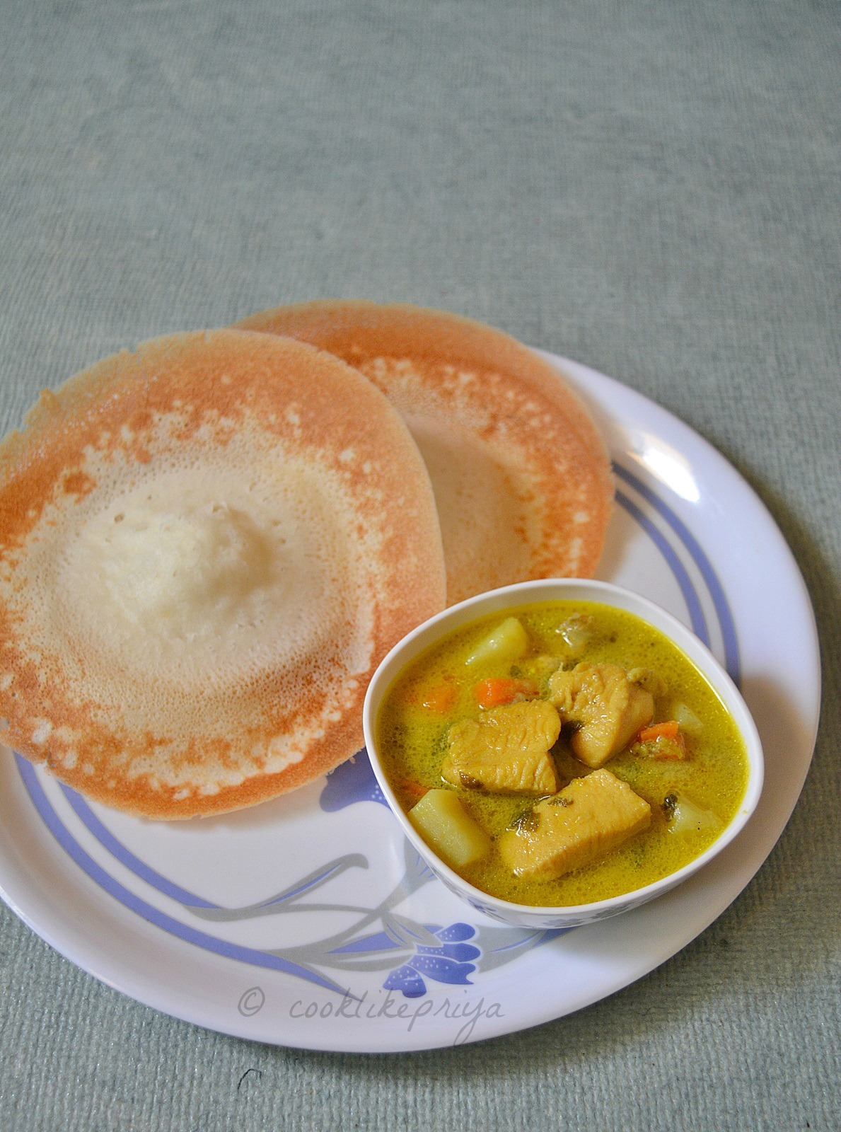 Kerala Chicken Stew for Appam | Nadan Kozhi Stew Recipe