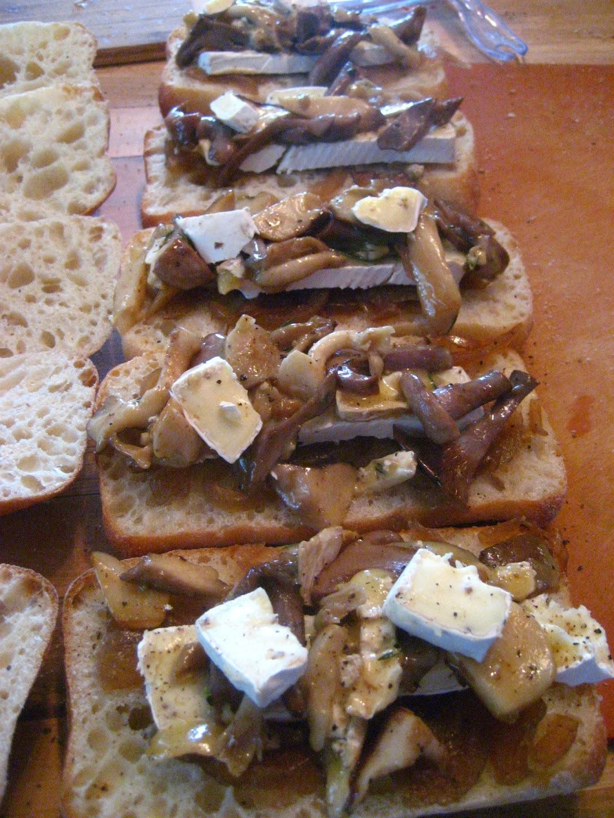 Paninis aux champignons frais et brie