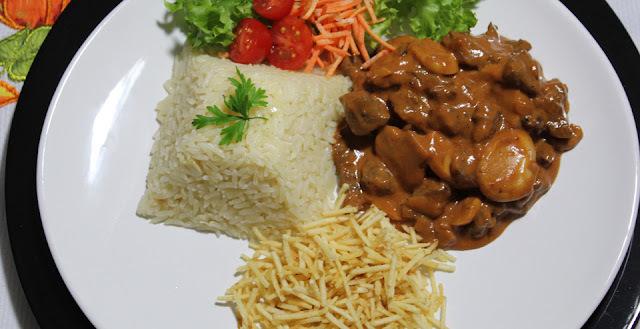 Strogonoff de Carne Super Fácil