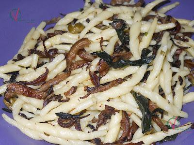 Pasta con algas y setas