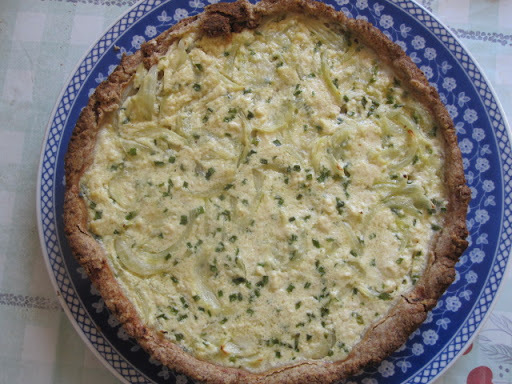 Torta de aveia, cebolas e queijo