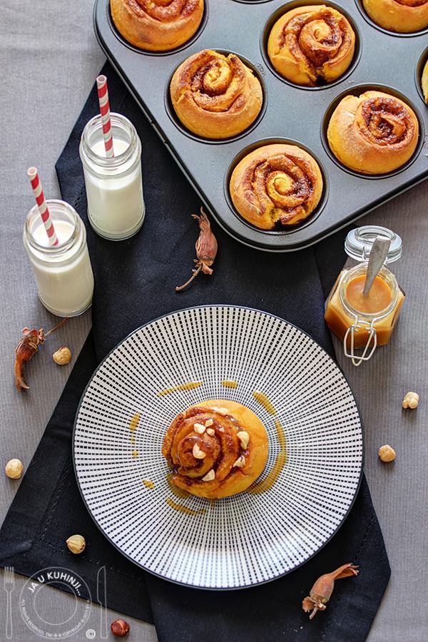 Rolnice sa bundevom i cimetom / Pumpkin cinnamon rolls