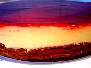 Tarta de Fruta de la Pasión con Coulis de Frutos Rojos
