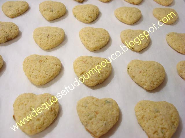 Biscoitos de limao tahiti e pistachio