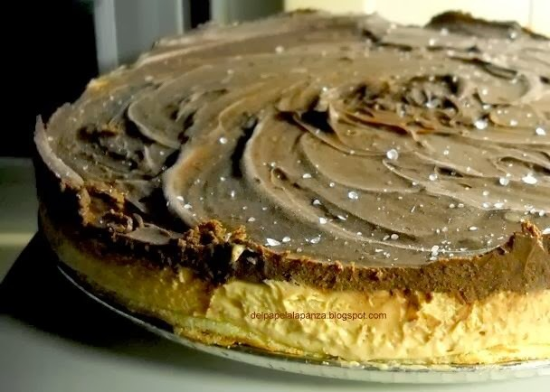 Torta helada de chocolate, crema y dulce de leche