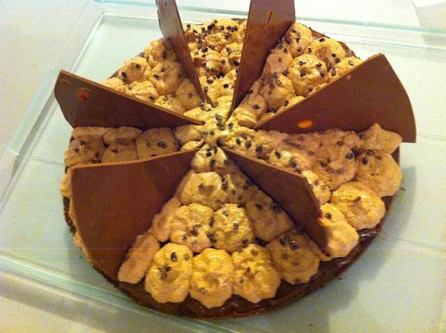 Gâteau chocolat, noisettes, caramel