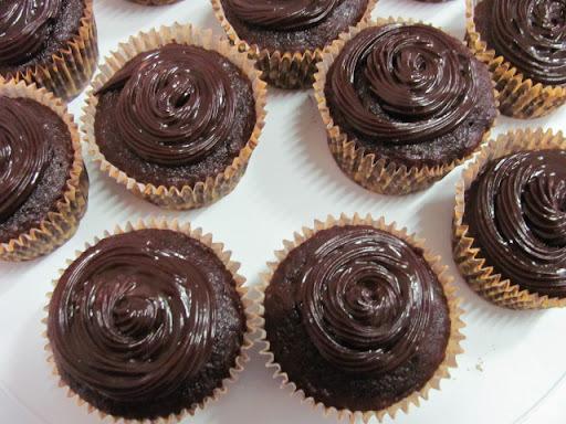 cobertura de chocolate sem manteiga e sem leite cindeisado