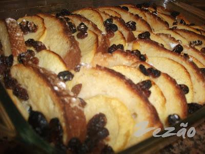 Maças com pão no forno