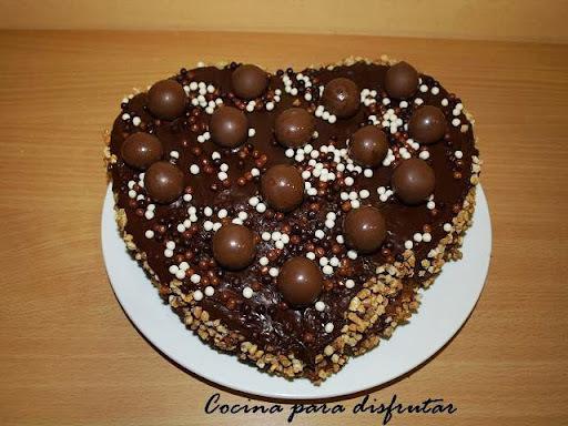 PASTEL DE CORAZÓN DE CHOCOLATE