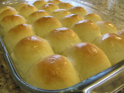 mom's holiday dinner rolls party!