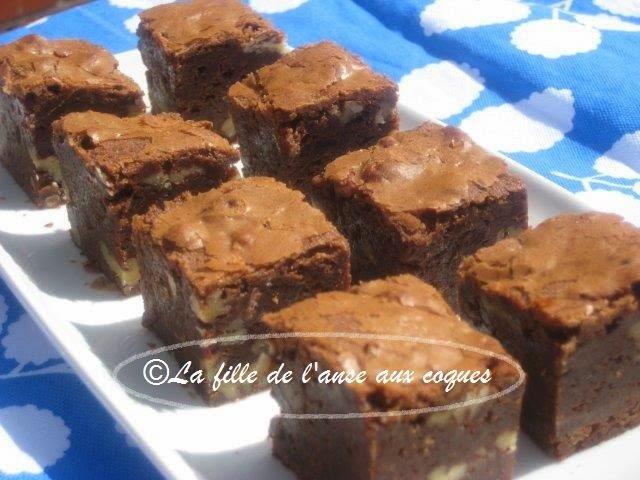BROWNIES AUX PACANES ET AUX DEUX CHOCOLATS