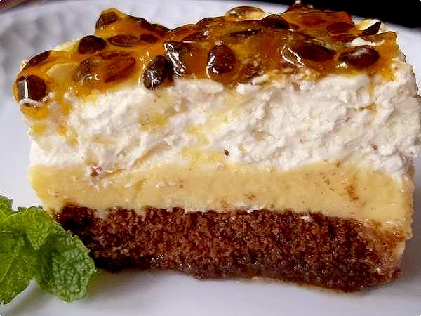 torta pavê combina bolo de chocolate mousse de maracujá e chantilly