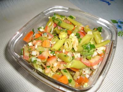 Salada de Vagem e Cenoura com Tomates Marinados