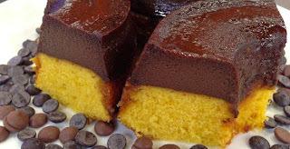 tem que desenformar o bolo de chocolate com pudim frio