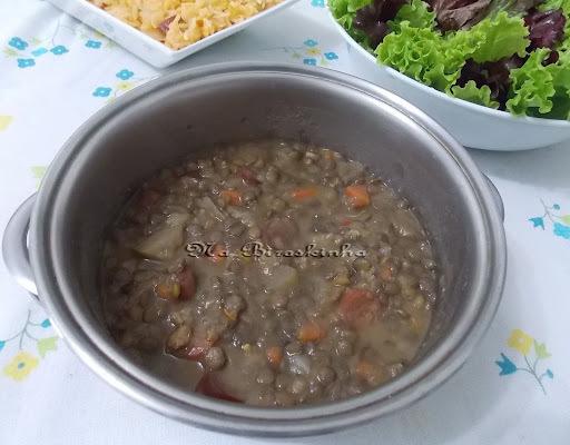 lentilha com bacon cenoura e calabresa