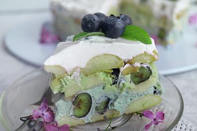 Blueberry Matcha Tiramisu /  Čučoriedkové tiramisu s Matcha / Tiramisu aux bleuets et Matcha