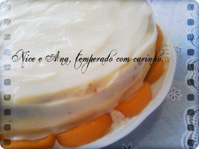 bolo de leite ninho com recheio de pessego para aniversario