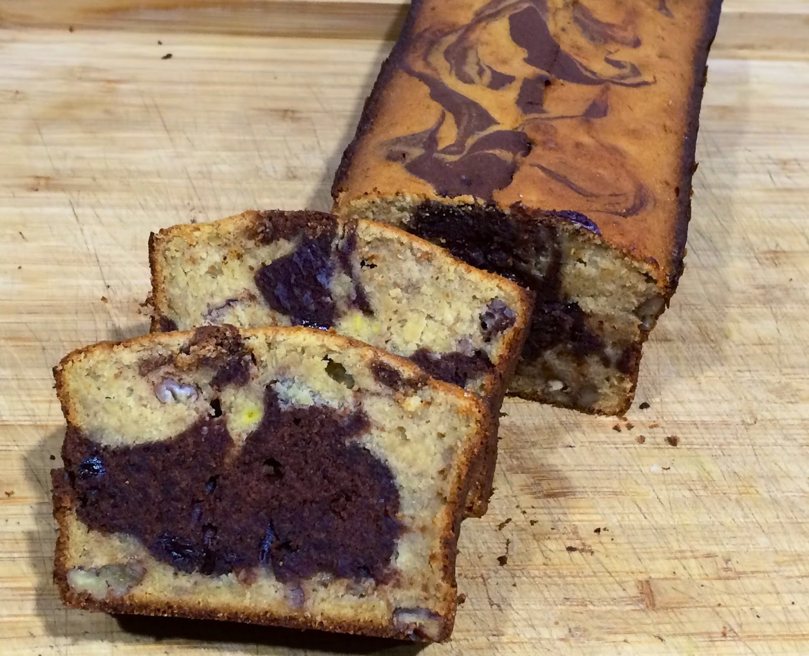 Bizcocho marmolado de chocolate y plátano