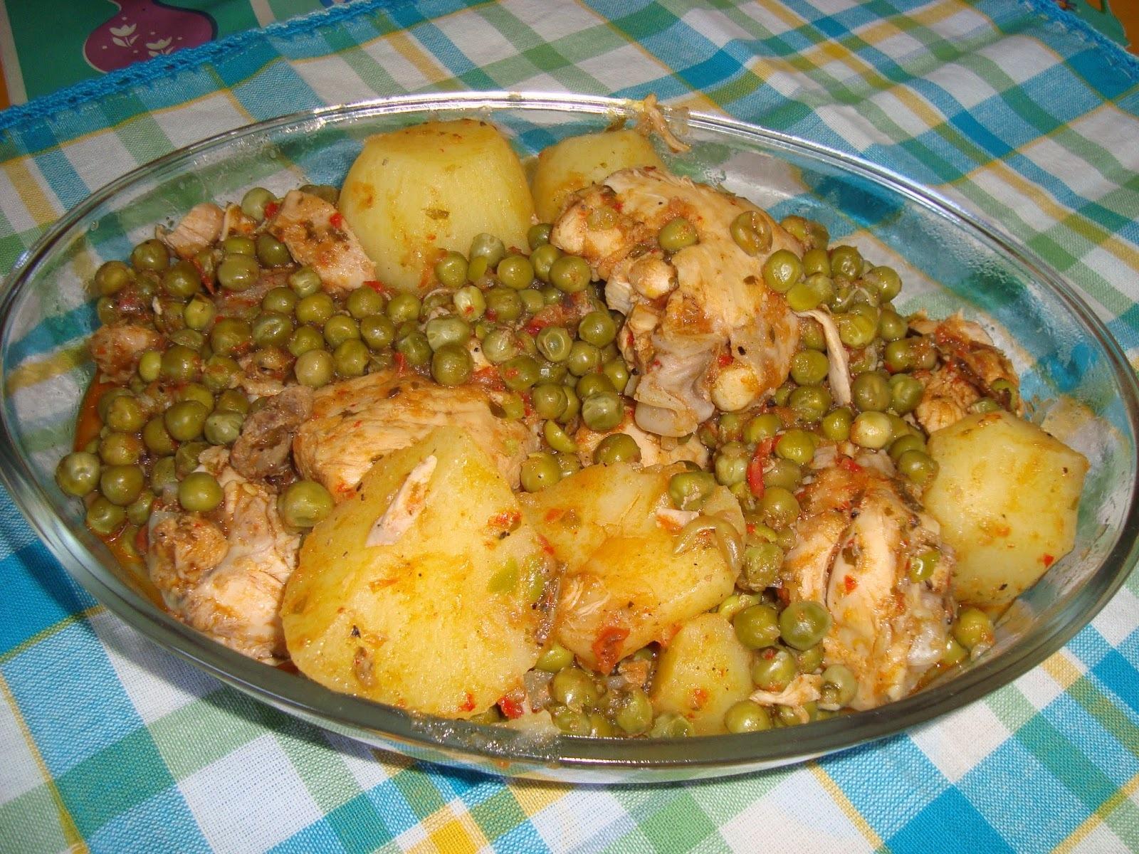 Guisado de Sobrecoxa Com Batatas e Ervilhas