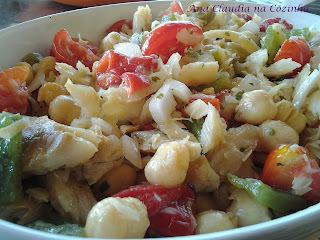 Salada e Suflê de Bacalhau