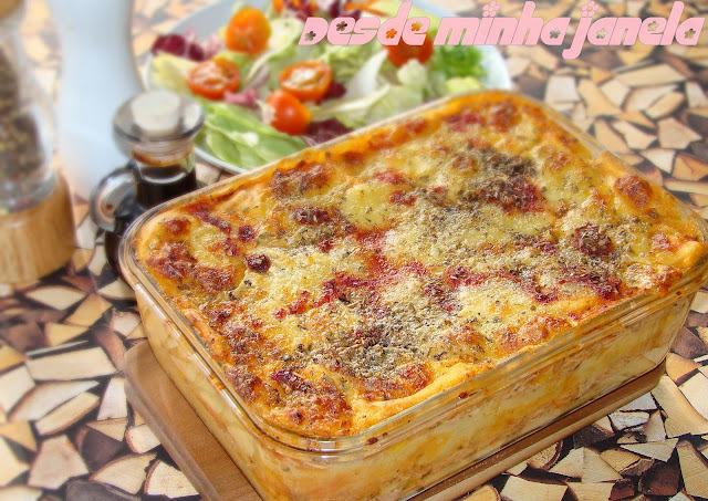 Nhoque de forno com recheio de frango e queijo