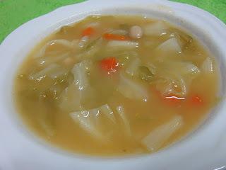 Sopa de Couve com Feijão Mole