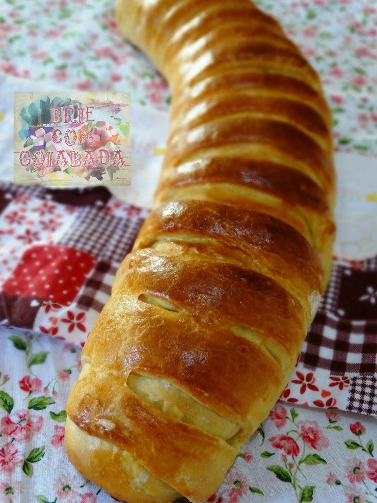 Pão Modelado com Linguiça e Frango