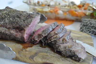 Carne con hierbas al horno