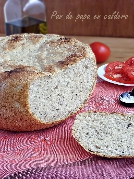 Pan de papa en caldero