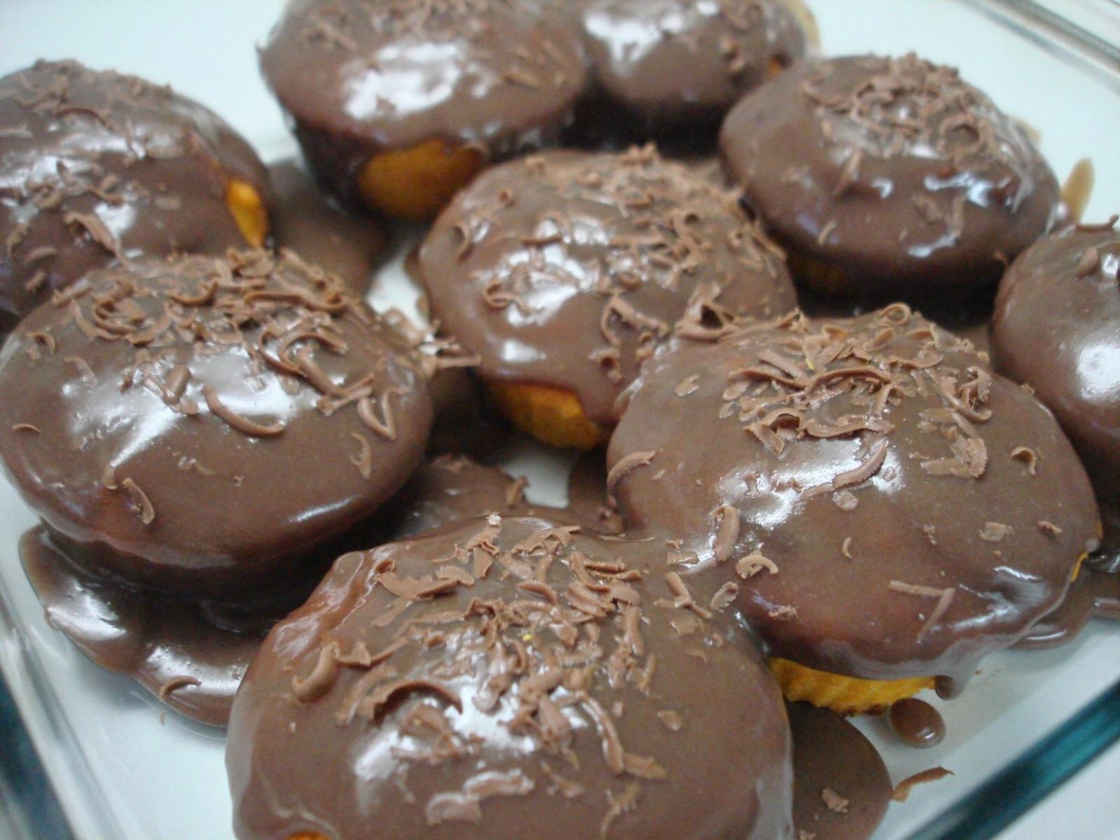 Bolo de Cenoura de Liquidificador com Cobertura de Chocolate: usei Farinha de Arroz! Ficou muito bom!!!!