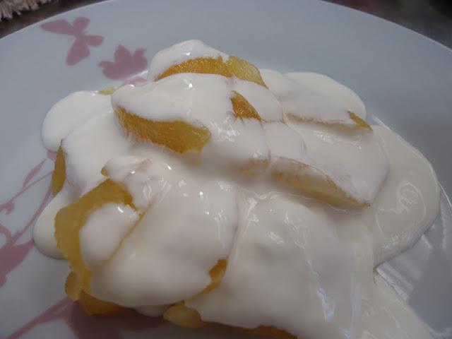 Compota de Maçãs com Iogurte Grego Caseiro