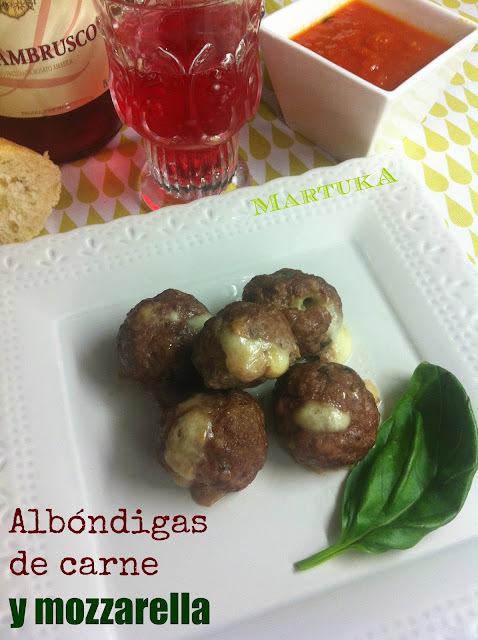 Albóndigas De Carne Y Mozzarella Al Horno