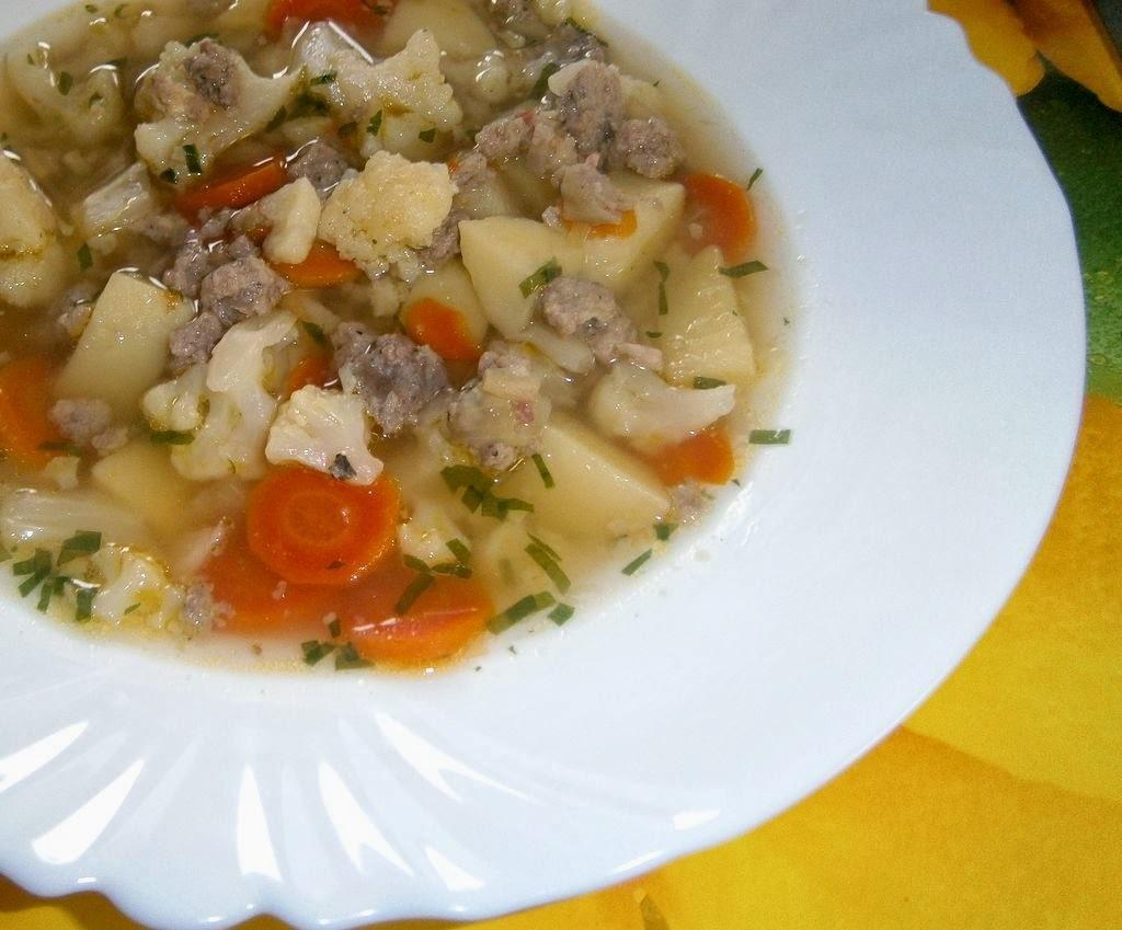 Zeleninová polievka s pečeňovými haluškami