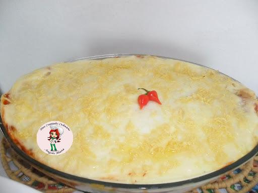 lasanha de presunto e mussarela com molho branco