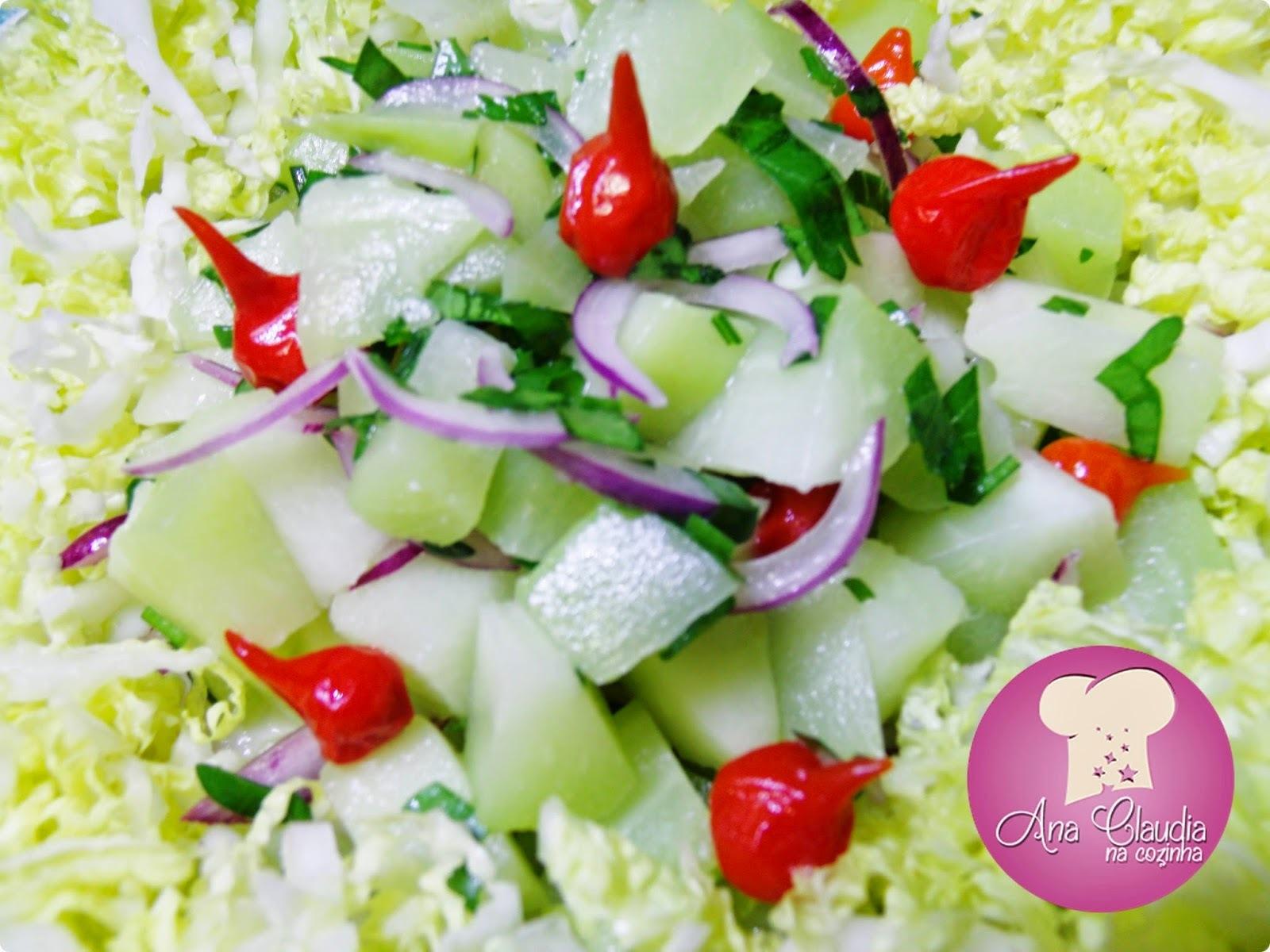 Salada de Chuchu, Pimenta Biquinho e Acelga