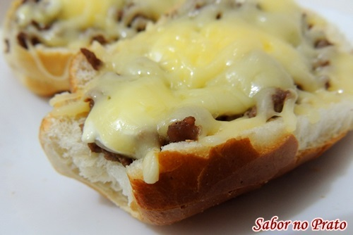 Lanche Rápido de Pão com Carne Moída