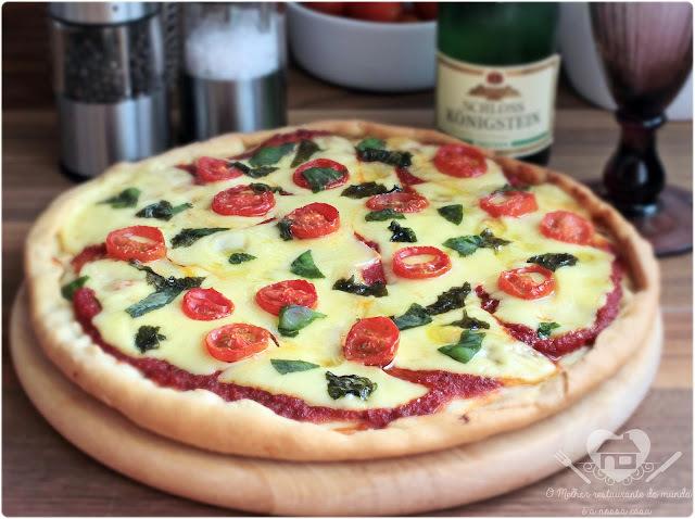 Receita Fácil de Pizza Margherita Caseira
