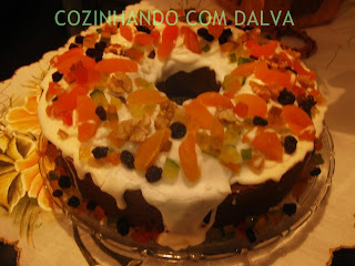 Bolo de Ameixa 02 ( Massa conhecida como bolo de noiva)